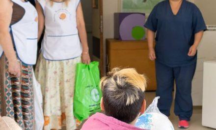 <span style='color:#e57026;font-size:15px;'>Entrega de juguetes en la Guardia</span><br/><span></span><p/>Día de Reyes en el Hospital de Niños
